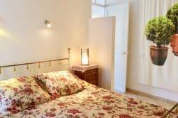 Monet-Schlafzimmer-Bett