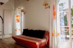 Soleil-Levant-Wohnzimmer-Sofa
